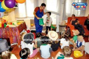 2.- Un mago en una fiesta infantil es la mejor razón para divertirse