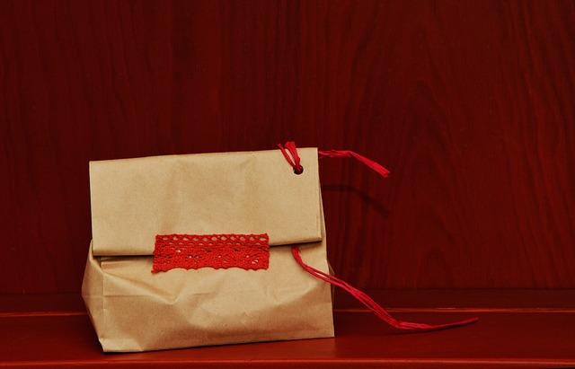 Envolver regalos de cumpleaños con consejos originales