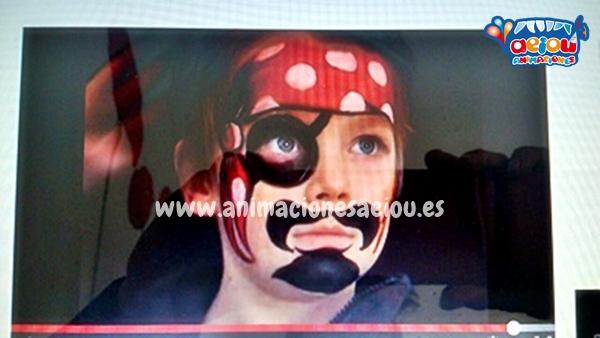 Cuentos, pintacaras, globoflexia y canciones en fiestas Piratas en Girona