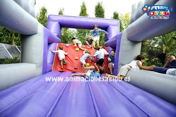 Más servicios extras y los mejores castillos hinchables Wipeout para fiestas