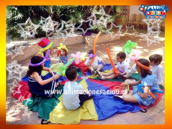 Entretener a grupos infantiles en fiestas de comunión